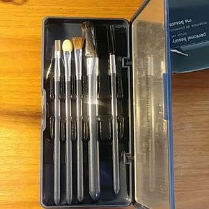 NIB Avon Makeup Brush Set 5 PCS!!!  NEW!